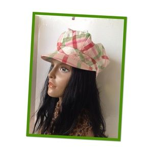 JUICY COUTURE NEWSBOY HAT